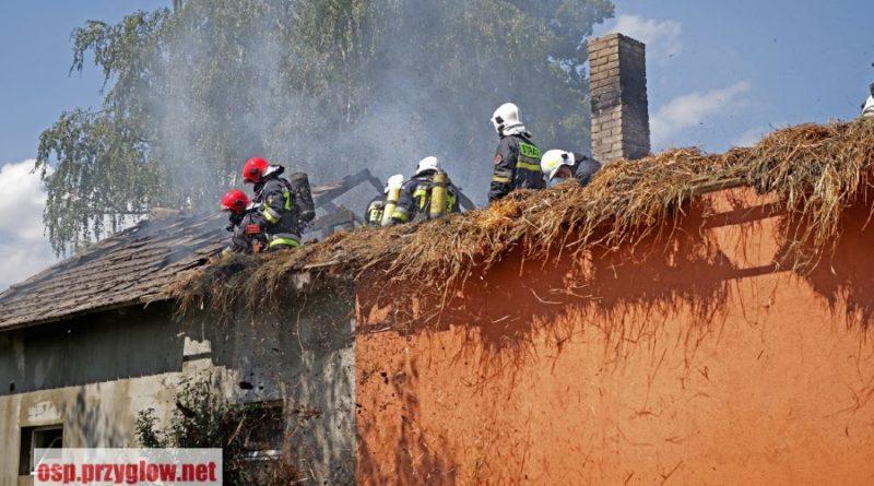 Korytnica. Pożar dachu budynku mieszkalno – gospodarczego