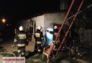 Pożar budynku w Sulejowie. Na miejscu straż pożarna i policja.