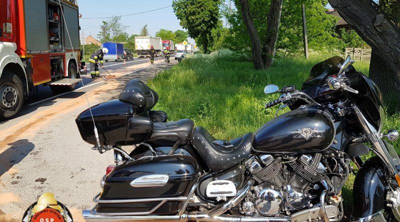 Przygłów DK 12: wypadek dwóch motocykli oraz osobówki