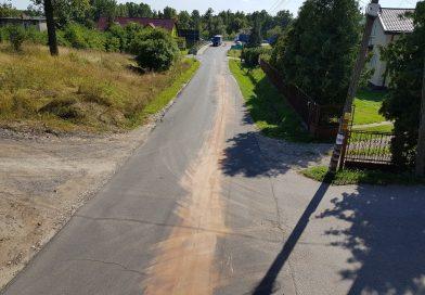 Usunięcie plamy substancji ropopochodnej na ulicy Górnej